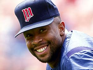 Kirby Puckett is all smiles during a game against the Oakland A's in 1992.