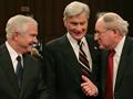 Gates talks with key senators