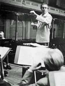 Tchaikovsky 1812 overture essay