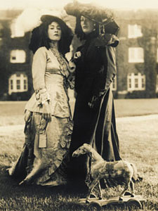 victorian women in dracula essay In this article we will examine the role of sexuality in bram stokers dracula and   the other female vampires appear to the reader to be even more sexual and   as symbolic of a breaking out of the repressed environment of the victorian ages.
