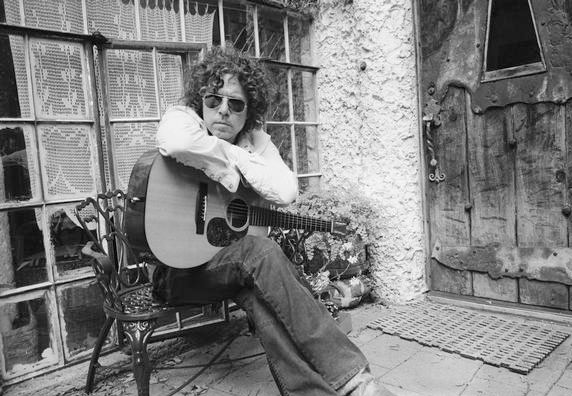 Singer/Songwriter Gary Louris.