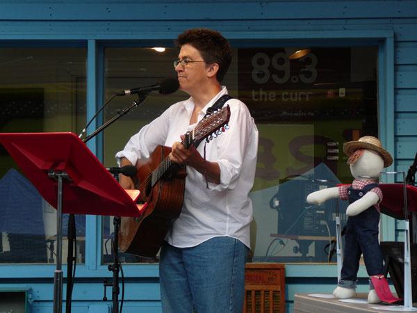 Singer/Songwriter Ann Reed