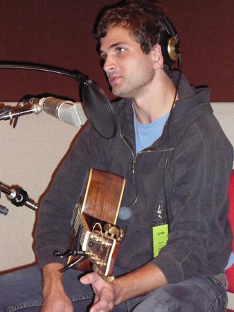 Singer / Songwriter Aaron Espe