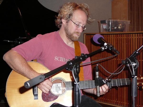 Singer / Songwriter Dave Stoddard