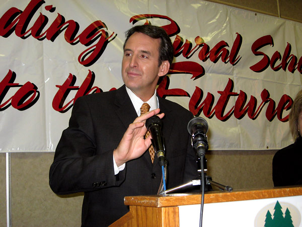Gov. Tim Pawlenty speaks at a conference of Minnesota educators in Alexandria, Minn.