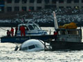 Passenger jet crashes into Hudson River