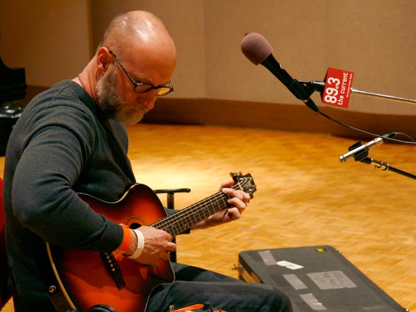 Bob Mould playing a session in the MPR studios in 2008.