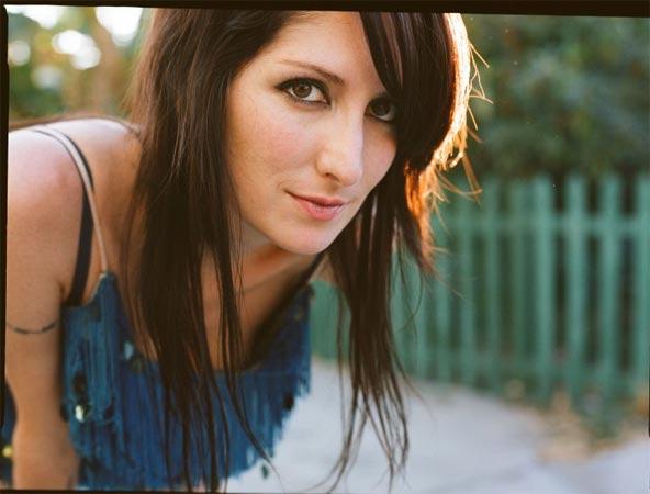 Singer / Songwriter Maria Taylor