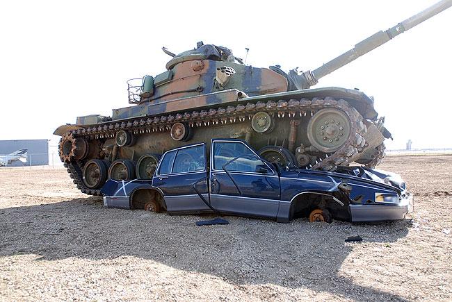 20090604tankvcar333