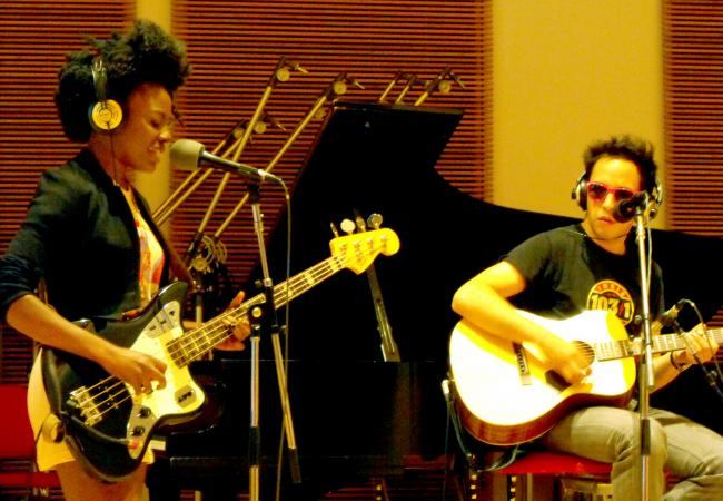 Shingai Shoniwa and Dan Smith from the Noisettes