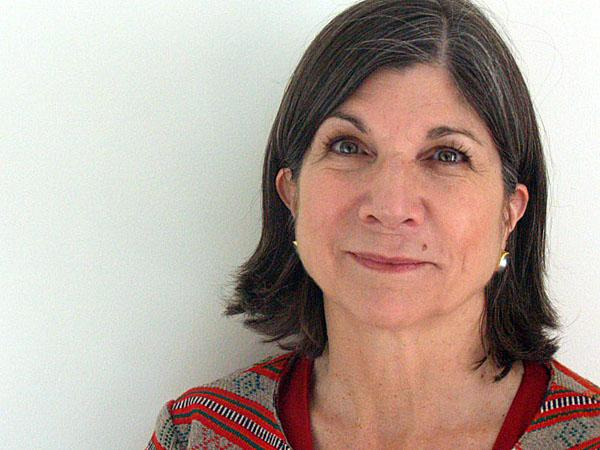 "execution by anna quindlen The death penalty is a very controversial topic that some may oppose while others assent i have read two interesting essays about the death penalty one is entitled ""the penalty of death"" by h l mencken and the other ""execution"" by anna quindlen."