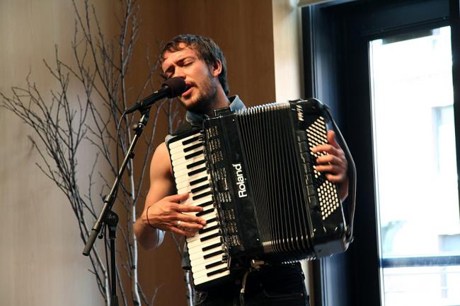 Ben Lovett of Mumford and Sons live in the UBS Forum