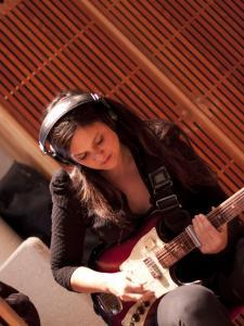 Guitarist Irina Yalkowsky