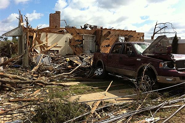 alabama tornado. Alabama Tornado Aftermath
