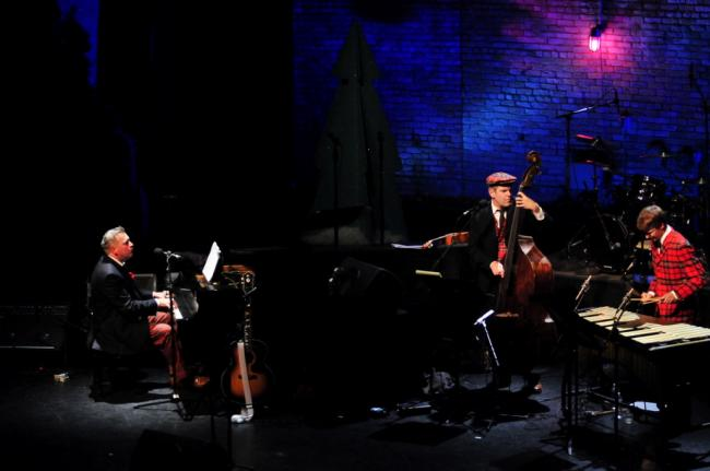 The New Standards perform at their 2011 Holiday Show at the Fitzgerald Theater.