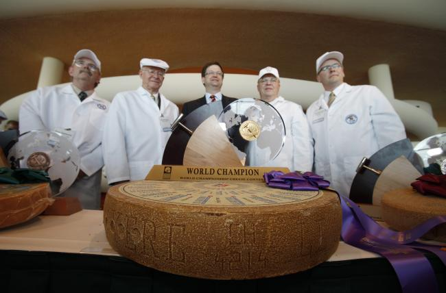 http://images.publicradio.org/content/2012/03/07/20120307_world-championship-cheese-contest_33.jpg
