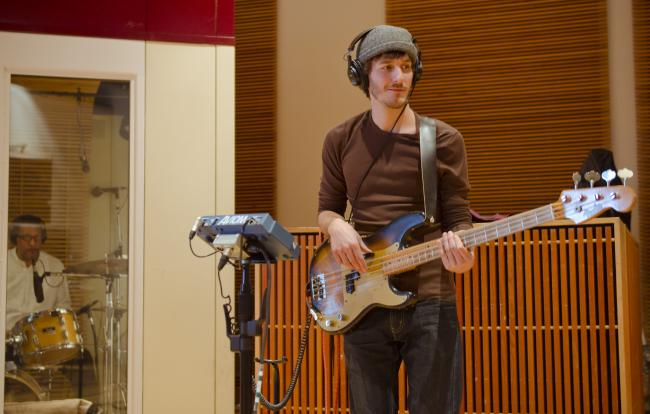 Jef Sundquist performs with Chastity Brown in The Current studio.