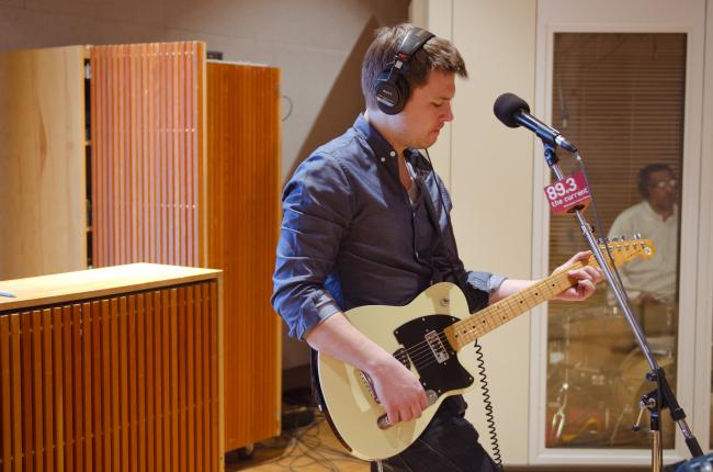 Robert Mulrennan performs with Chastity Brown in The Current studio.