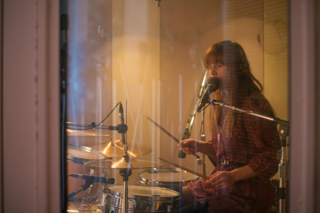 Anna Prior of Metronomy performs in The Current studios