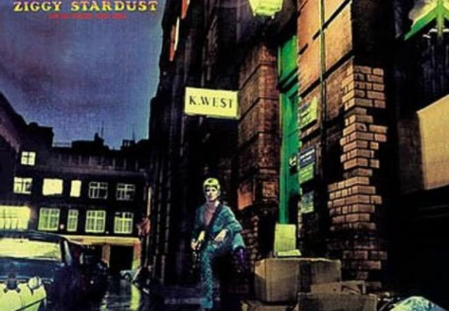 "Album art for David Bowie's ""Ziggy Stardust"""