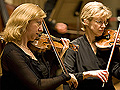 Violinists Leslie Shank and Elsa Nilsson