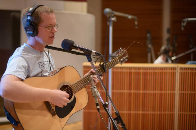 The Daredevil Christopher Wright performs in The Current studios