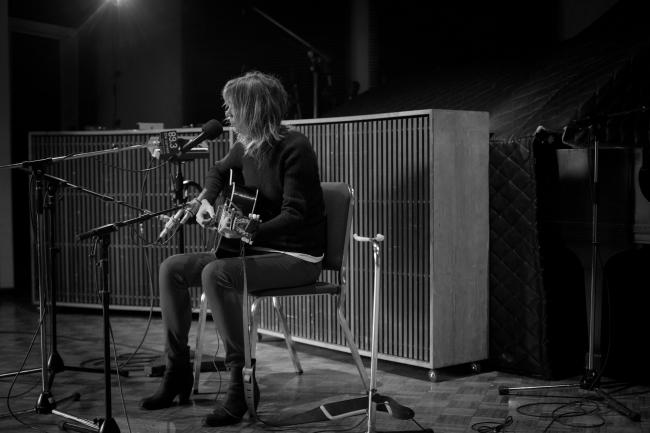Beth Orton performs in The Current studio