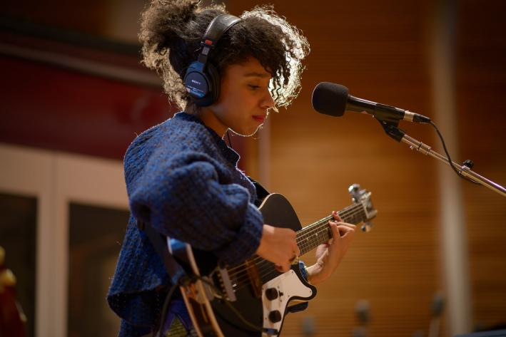 Lianne La Havas performs in The Current studio.