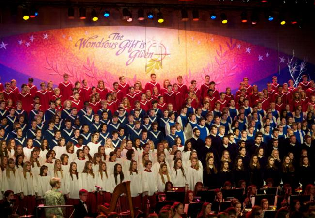 2012 St. Olaf Christmas: Mass Choirs and Orchestra (St. Olaf College)