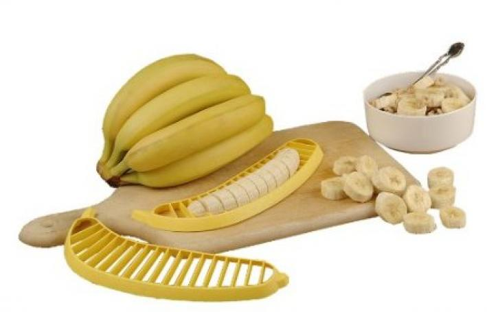 Who doesn't need a little extra help slicing their banana?