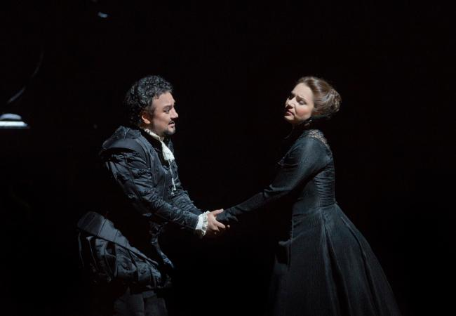 "Ramon Vargas as the title character and Barbara Frittoli as Elisabeth de Valois in Verdi's ""Don Carlo."" (Ken Howard/Metropolitan Opera)"