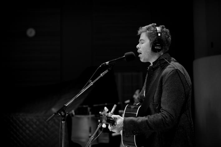 Singer-songwriter Josh Ritter performs in The Current studio.
