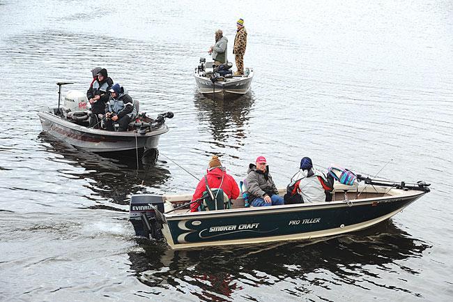 Icy lakes greet anglers on minnesota 39 s opener minnesota for Battle ground lake fishing