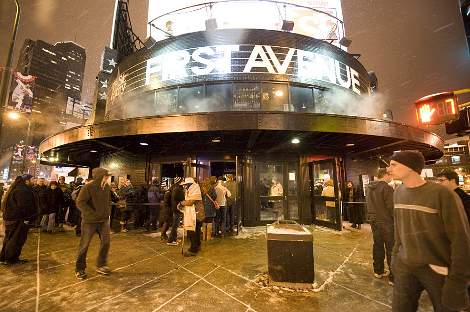 First Avenue and other Minneapolis clubs and bars where live music is played will now be required to provide free earplugs to concert-goers who would like them.