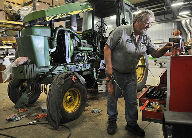 Minn Farm Equipment Repair Tax Faces Wide Disdain