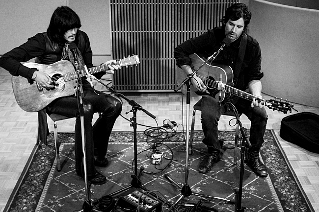 J.D. King and Pete Yorn of The Olms perform an acoustic set live in The Current studios.