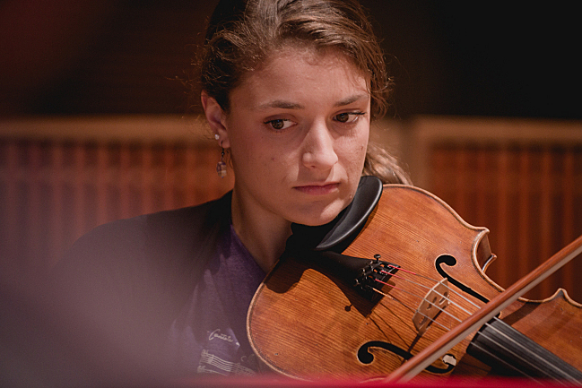 Milena Pajaro-van de Stadt of the Dover Quartet performs in the studios at American Public Media.