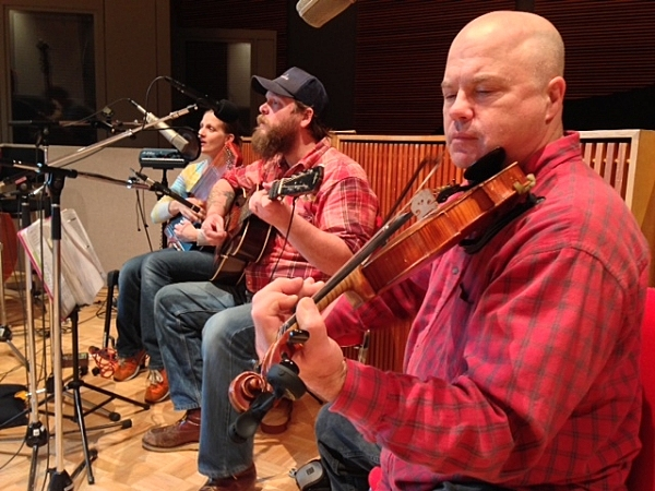 Kim and Quillan Rod with Rick Lee on Fiddle