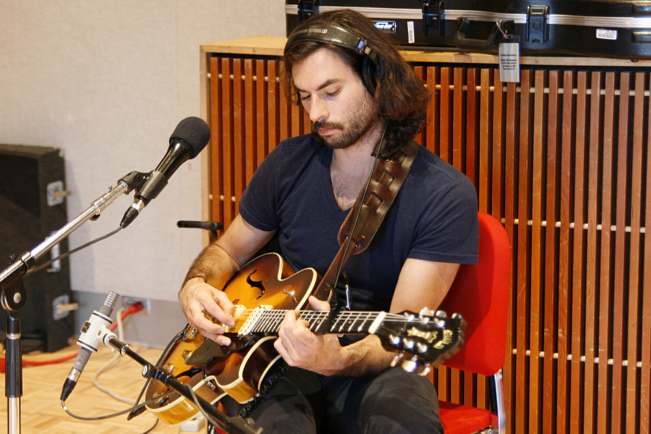 Jonathan Russell plays his 1976 Guild Starfire during The Head and the Heart's in-studio session at The Current.