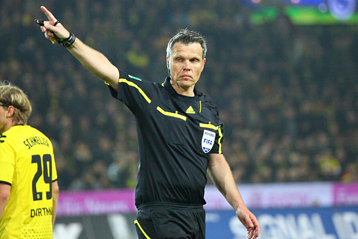 Referee Michael Weiner during a Bundesliga match between BVB Borussia Dortmund & VfB Stuttgart, final score 4 - 4, on March 30, 2012, in Dortmund, Germany.