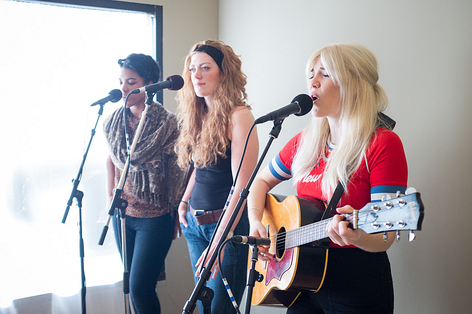 Caroline Smith and backing vocalists perform for the employees of Punk Rawk Labs in Minneapolis as part of The Current's Coffee Break on the Road.
