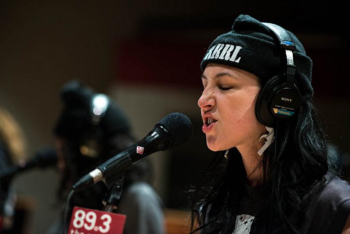 Manchita sings