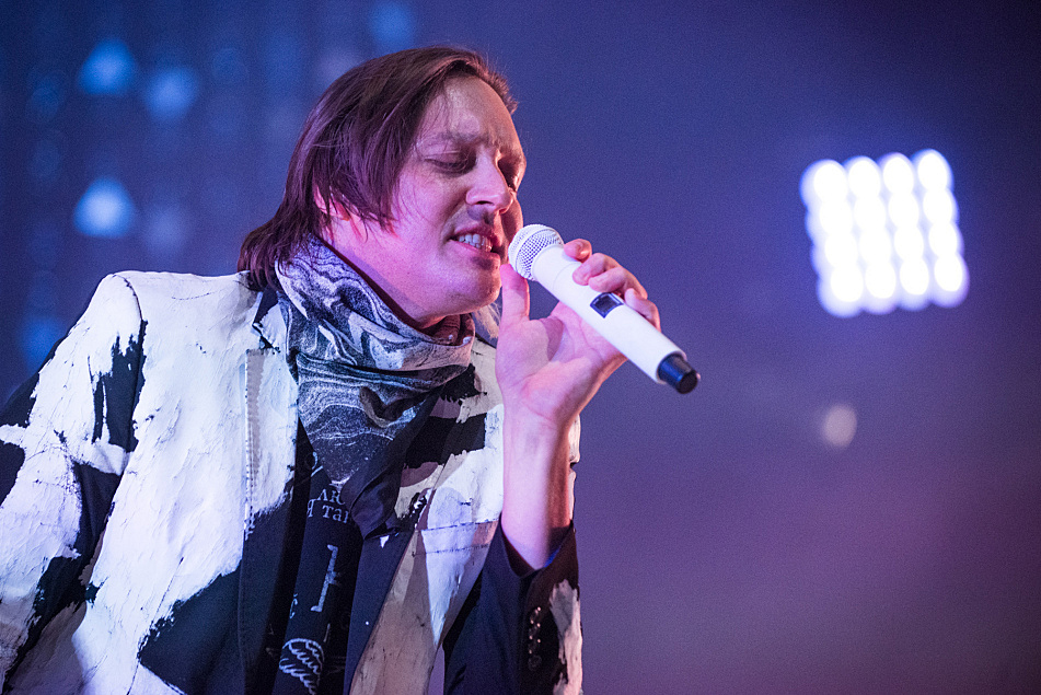 "Win Butler sings ""Flashbulb Eyes"""