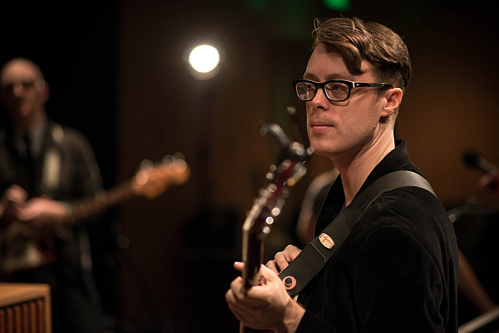 Jeremy Messersmith performs in The Forum at Minnesota Public Radio.