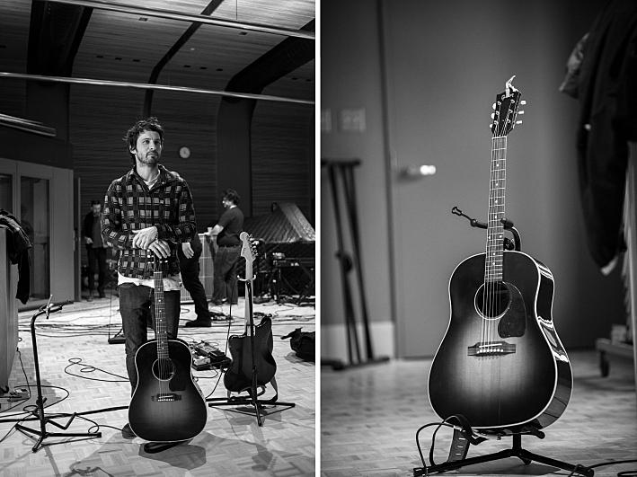 Sam Roberts' Gibson guitar