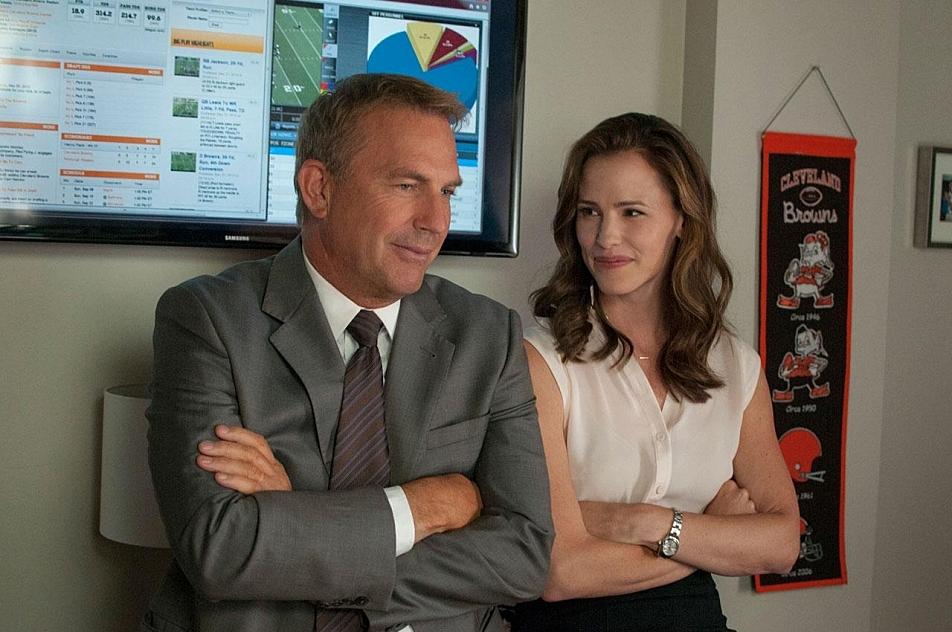 Kevin Costner and Jennifer Garner in 'Draft Day'.