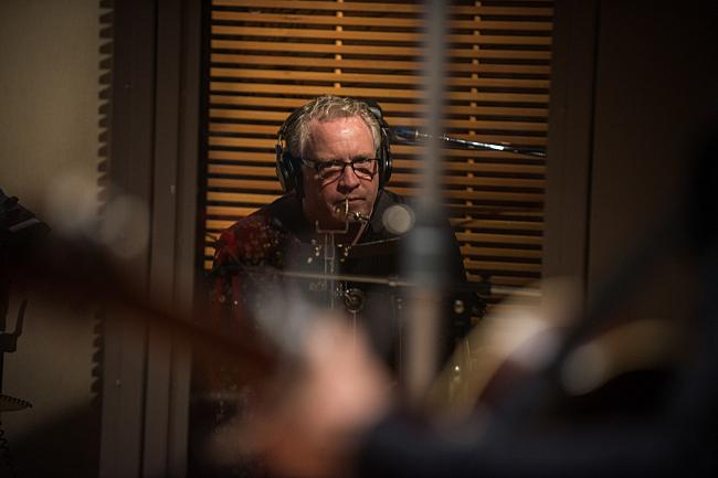 Ken Chastain performing with Dan Wilson in The Current's studio.