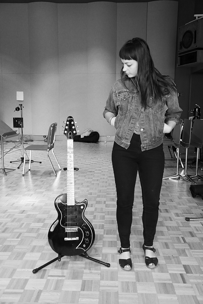 Angel Olsen and her Gibson S-1.