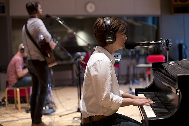 Aaron Fabbrini, John Mark Nelson and Kara Laudon performing live in The Current studio.