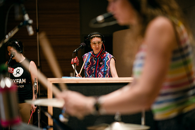 Vocalists Abigail Bengson, Jo Lampert and percussionist Dani Markham performing with tUnE-yArDs live in The Current studio.
